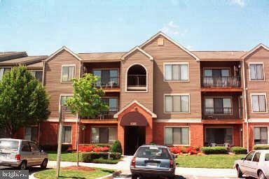 8395 BUTTRESS LN APT 302, MANASSAS, VA 20110 - Photo 1