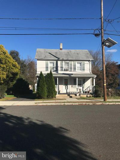 77 FRANKLIN ST, SOUTH BOUND BROOK, NJ 08880 - Photo 1