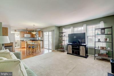 2721 OVERLOOK CT, MANCHESTER, MD 21102 - Photo 2