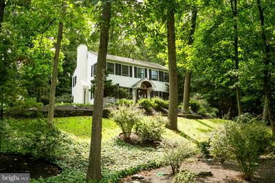 814 SUNSET HOLLOW RD, WEST CHESTER, PA 19380 - Photo 1