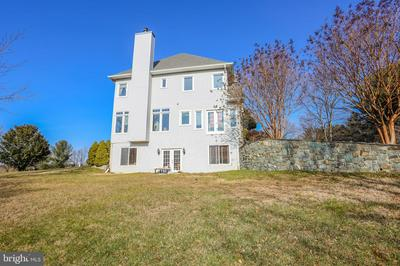 23900 HAWKINS CREAMERY CT, GAITHERSBURG, MD 20882 - Photo 2