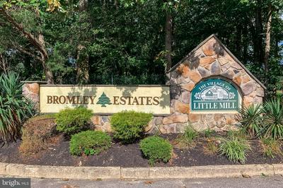 207 BROMLEY EST, PINE HILL, NJ 08021 - Photo 1