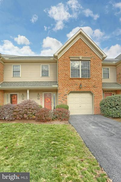 106 HUNTERS RIDGE DR, HARRISBURG, PA 17110 - Photo 2
