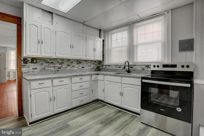 59 N SCHUYLKILL AVE, NORRISTOWN, PA 19403 - Photo 2