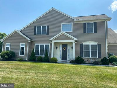 407 IRIS LN, MECHANICSBURG, PA 17050 - Photo 2