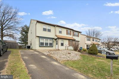 107 HORSESHOE LN, HORSHAM, PA 19044 - Photo 2