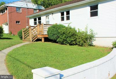 105 S LEE ST, WOODSTOCK, VA 22664 - Photo 2