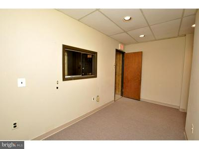 7508 MAPLE AVE, PENNSAUKEN, NJ 08109 - Photo 2