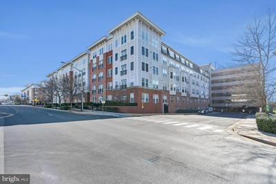 2665 PROSPERITY AVE APT 340, FAIRFAX, VA 22031 - Photo 2