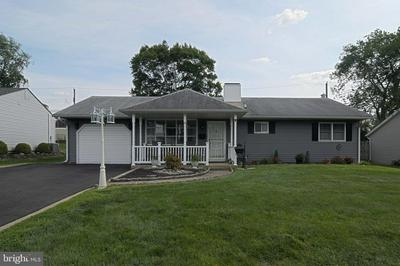 812 ELDRIDGE RD, FAIRLESS HILLS, PA 19030 - Photo 1