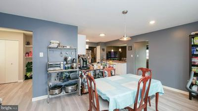 52 W 4TH ST, BURLINGTON, NJ 08016 - Photo 2
