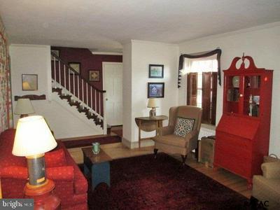 351 PINE HILL LN, York, PA 17403 - Photo 2