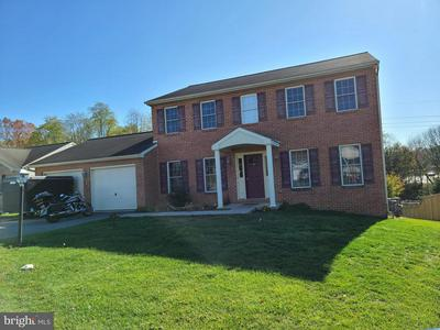 424 CHARTRIDGE DR, HAGERSTOWN, MD 21742 - Photo 2