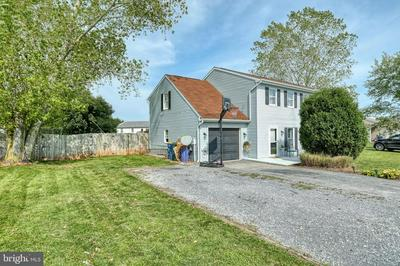 30 EVERGREEN TER, MANCHESTER, PA 17345 - Photo 2