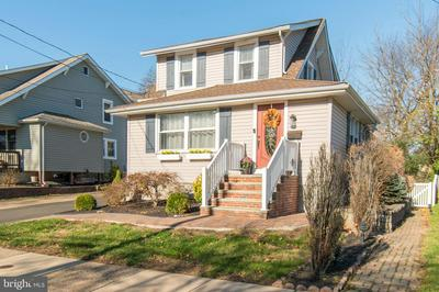 221 E MONTGOMERY AVE, HATBORO, PA 19040 - Photo 1