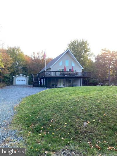 274 ELK DR, BLAKESLEE, PA 18610 - Photo 2