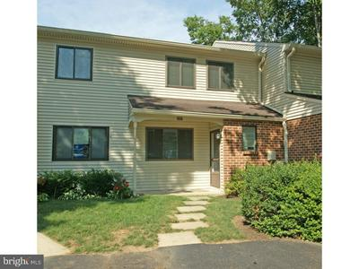303 CAMSTEN CT, CHESTERBROOK, PA 19087 - Photo 1