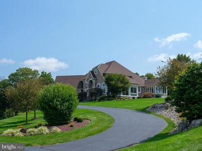 2720 IMPERIAL CREST LN, HELLERTOWN, PA 18055 - Photo 2