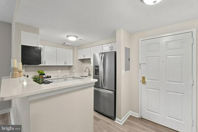 24 COURTHOUSE SQ APT 403, ROCKVILLE, MD 20850 - Photo 2