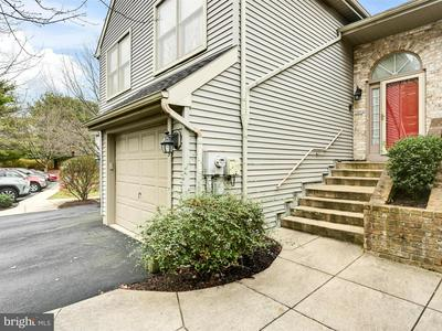 175 CRESCENT DR, HERSHEY, PA 17033 - Photo 2
