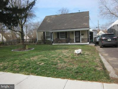 27 REPUBLIC AVE, NORRISTOWN, PA 19403 - Photo 1