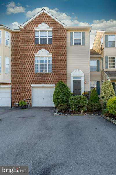 5262 DARTMOUTH DR, MACUNGIE, PA 18062 - Photo 2