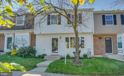 8620 WATERSHED CT, GAITHERSBURG, MD 20877 - Photo 1