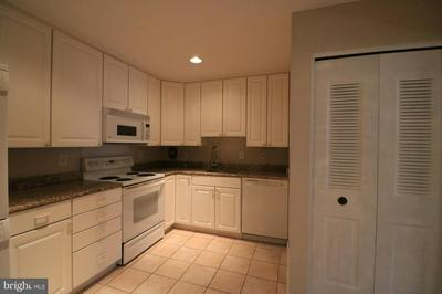 7425 DEMOCRACY BLVD APT 15, BETHESDA, MD 20817 - Photo 2