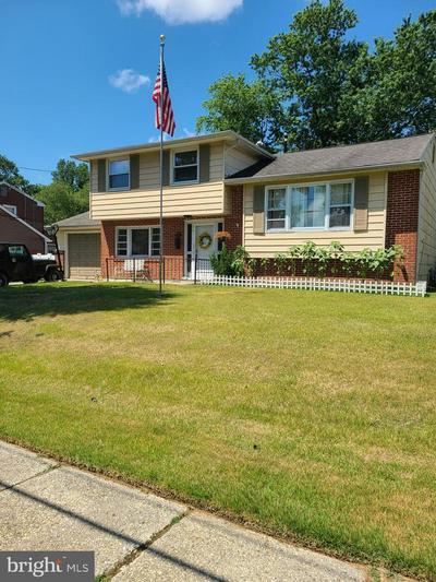376 WEDGEWOOD DR, BLACKWOOD, NJ 08012 - Photo 1
