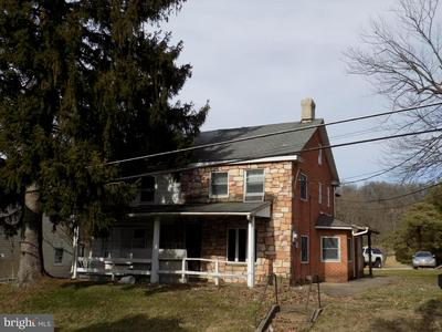 2019 LEITHSVILLE RD, HELLERTOWN, PA 18055 - Photo 2