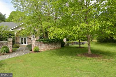 111 RED FOX RD, MILLERSVILLE, PA 17551 - Photo 2