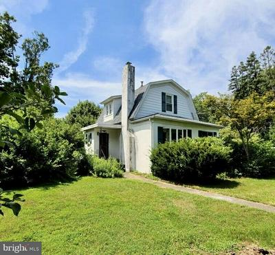 52 WOODSIDE AVE, LEVITTOWN, PA 19057 - Photo 1