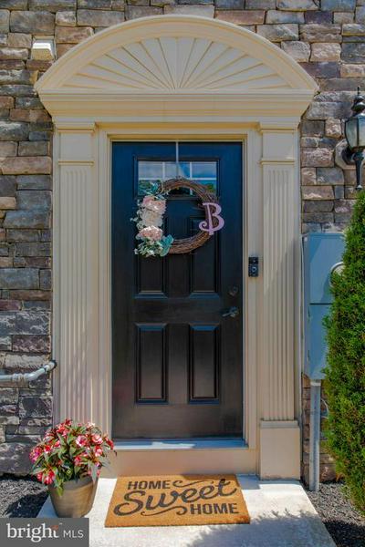 27 VILLAGE GREEN LN, Sicklerville, NJ 08081 - Photo 1