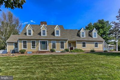 369 WIRE RD, York, PA 17402 - Photo 1