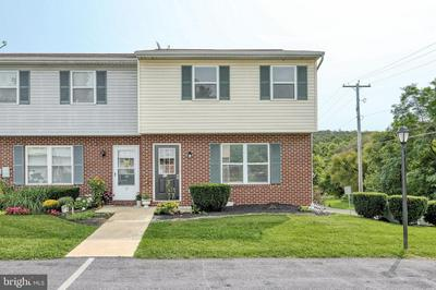 11 PINE DR, MANCHESTER, PA 17345 - Photo 1