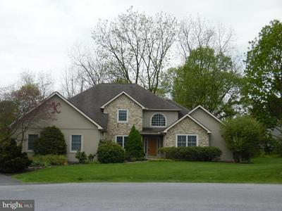 1880 CREEK RUN LN, Lebanon, PA 17042 - Photo 1