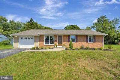 433 CHESTERFIELD DR, DOWNINGTOWN, PA 19335 - Photo 1