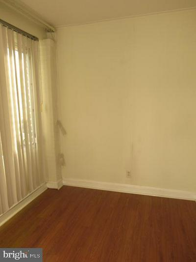 7345 CHELWYNDE AVE, PHILADELPHIA, PA 19153 - Photo 2