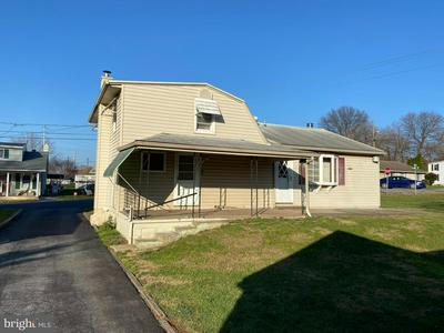 114 PENN ST, MIDDLETOWN, PA 17057 - Photo 2
