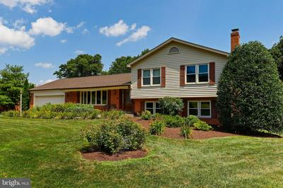 6905 SUMMERSWOOD DR, FREDERICK, MD 21702 - Photo 1