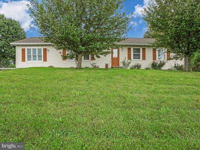 1155 E NEWPORT RD, LITITZ, PA 17543 - Photo 1