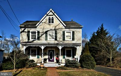 531 E CENTER AVE, NEWTOWN, PA 18940 - Photo 1