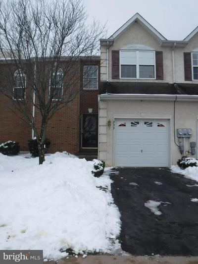 939 AVONDALE DR, RED HILL, PA 18076 - Photo 1