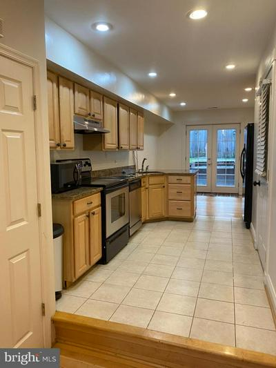 817 S CURLEY ST, BALTIMORE, MD 21224 - Photo 2