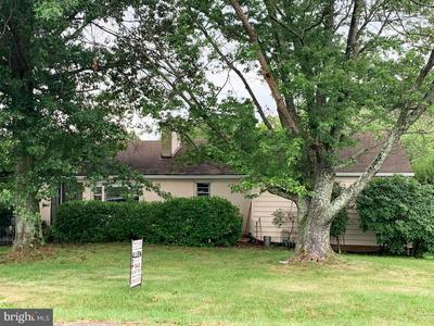 8646 LEES RIDGE RD, WARRENTON, VA 20186 - Photo 1