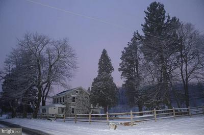 656 CHURCH RD, Orrtanna, PA 17353 - Photo 1