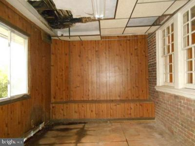 115 W MOWRY ST, CHESTER, PA 19013 - Photo 2