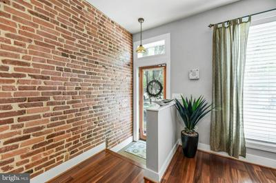916 S HIGHLAND AVE, Baltimore, MD 21224 - Photo 2