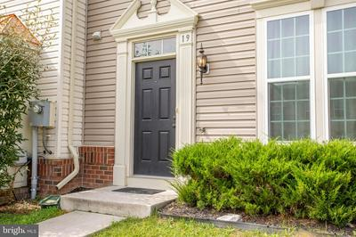 19 MISSISSIPPI PT, FALLING WATERS, WV 25419 - Photo 2