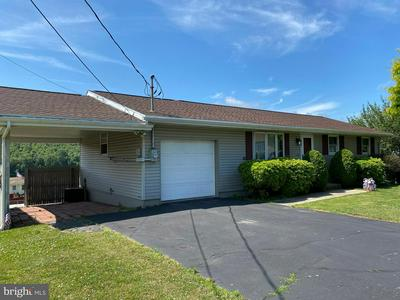 220 ARCH ST, RINGTOWN, PA 17967 - Photo 2